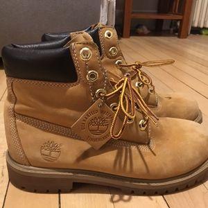 Timberland boots size 5 men 7 1/2-8 women